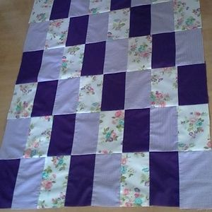 Purple & White Floral Quilt Top (top only) 36 x 48
